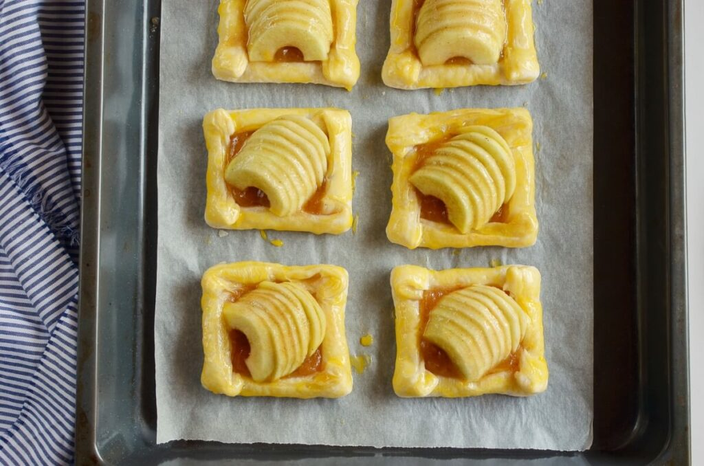 Puff Pastry Apple Tartlets recipe - step 8