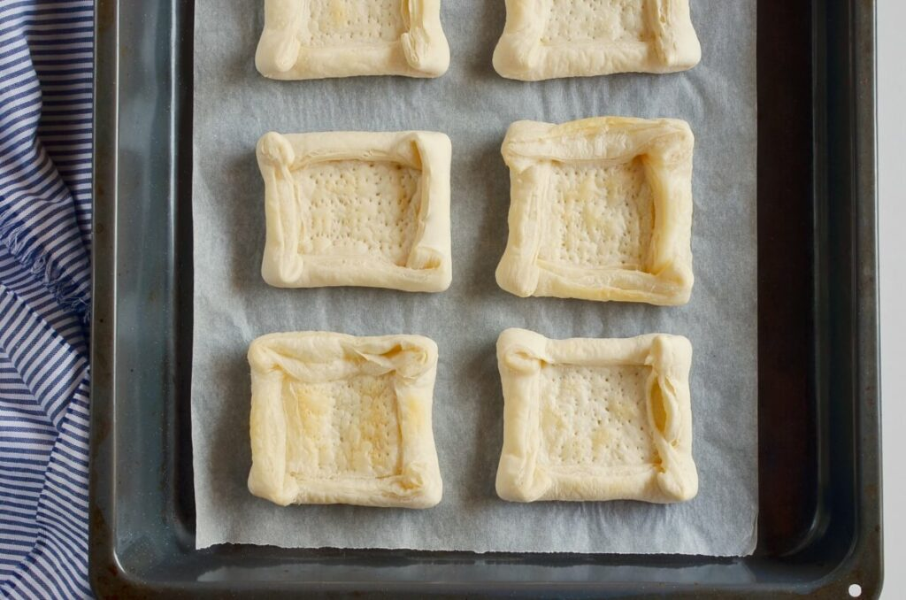 Puff Pastry Apple Tartlets recipe - step 4