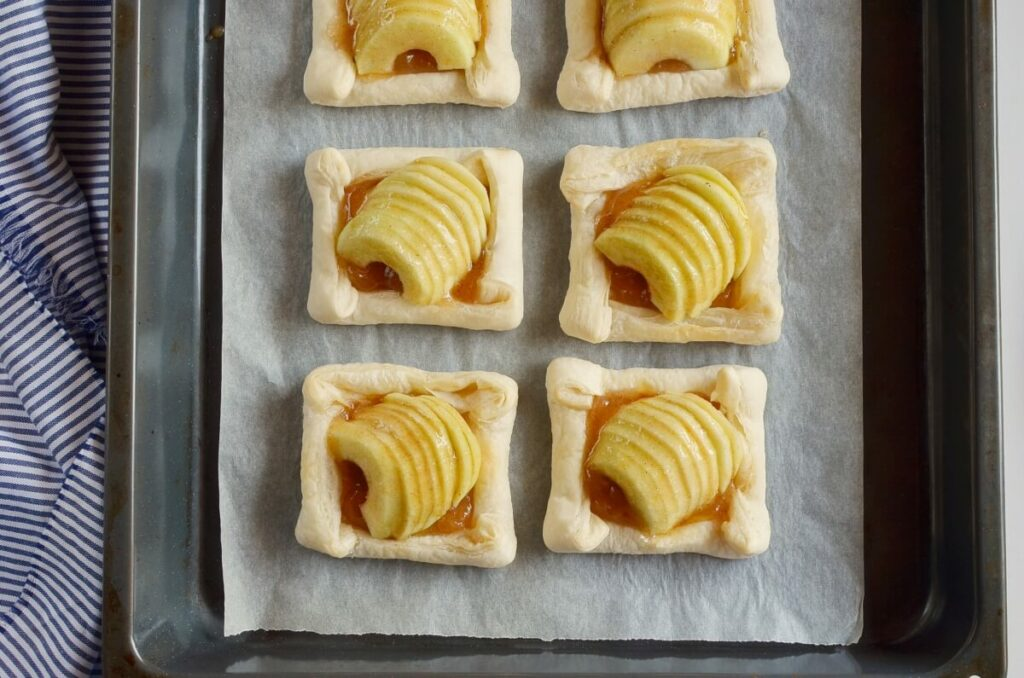 Puff Pastry Apple Tartlets recipe - step 7