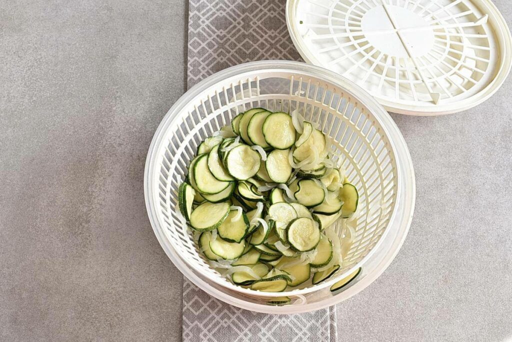 Sweet and Spicy Zucchini Refrigerator Pickles recipe - step 5