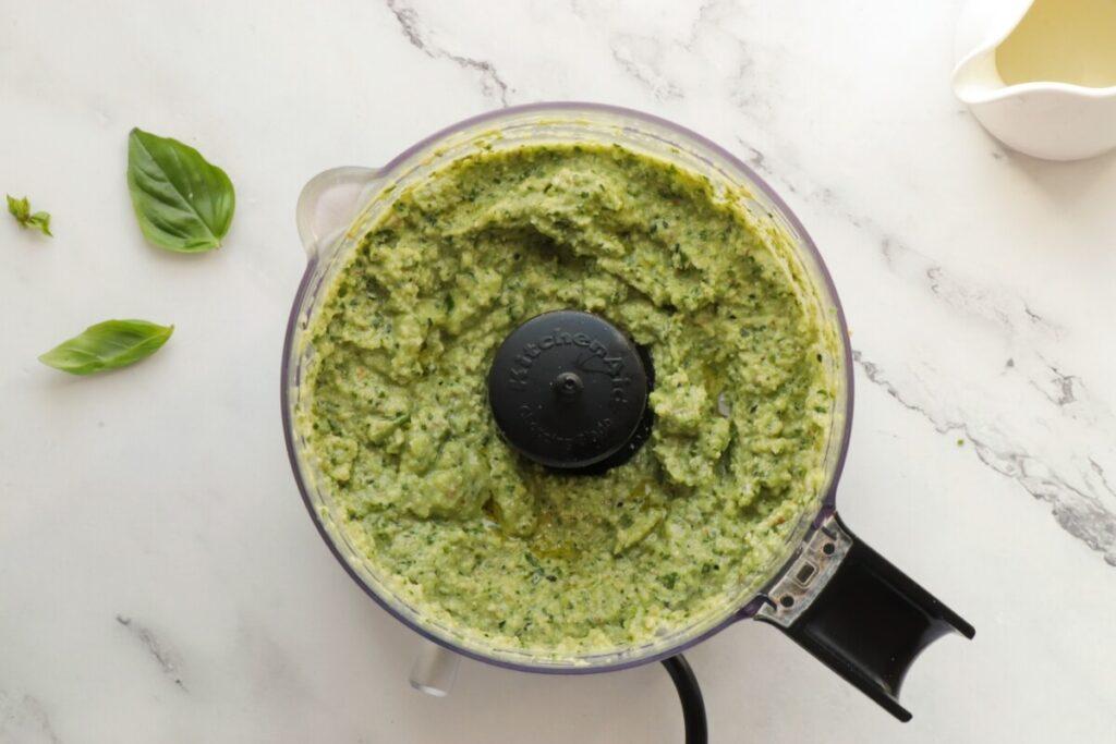 Zucchini Pesto recipe - step 4