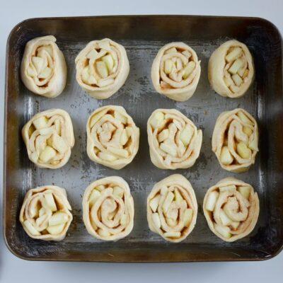 Caramel Apple Cinnamon Rolls recipe - step 8