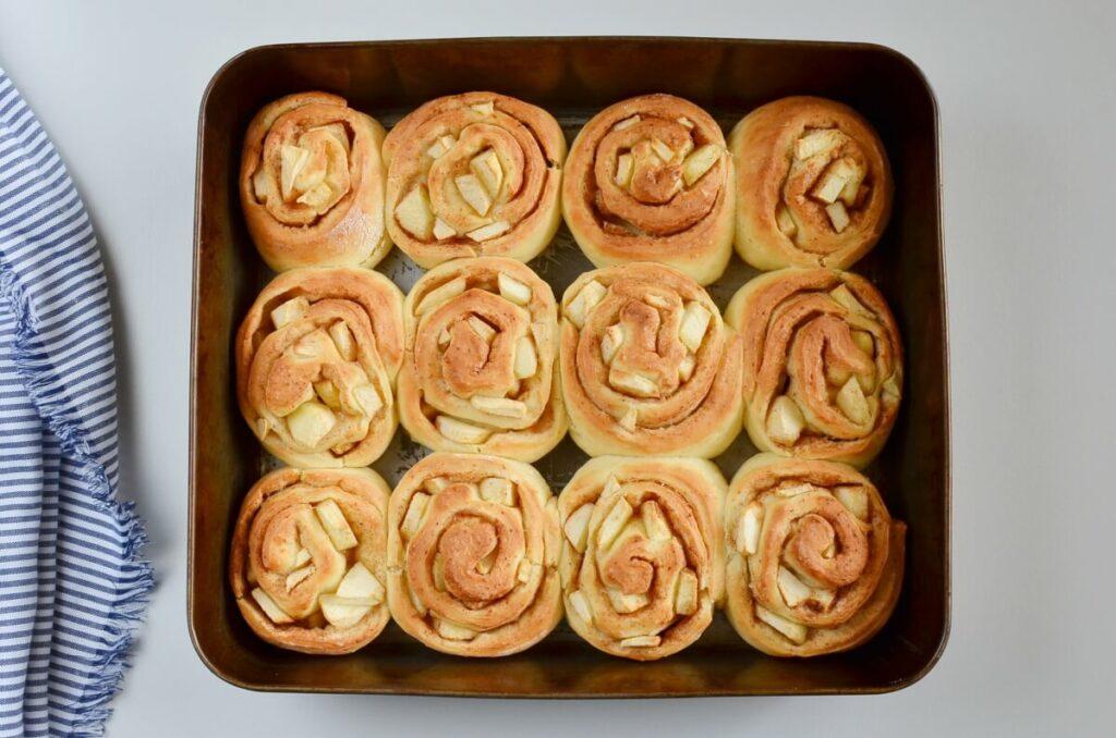 Caramel Apple Cinnamon Rolls recipe - step 10