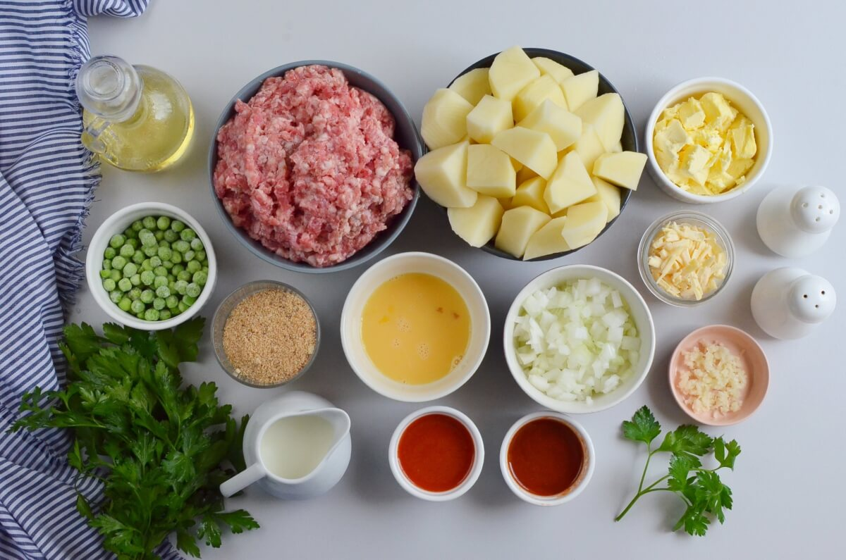 Ingridiens for Cheesy Mash-Topped Meatloaf