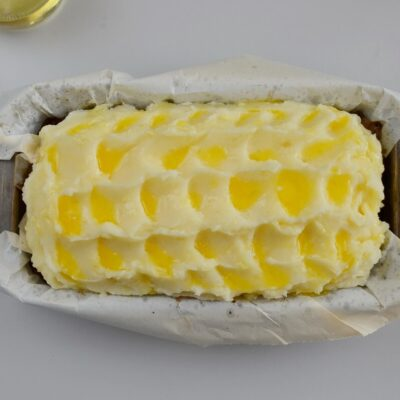Cheesy Mash-Topped Meatloaf recipe - step 9