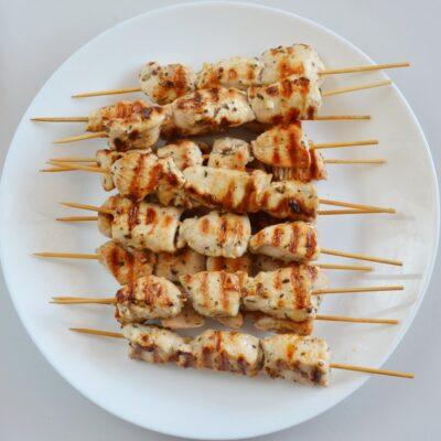Greek Lemon Chicken Skewers with Tzatziki recipe - step 6