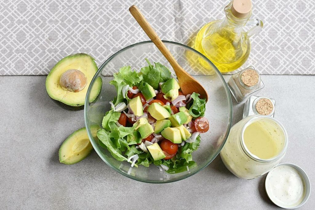 Grilled Chicken Salad with Creamy Dressing recipe - step 3