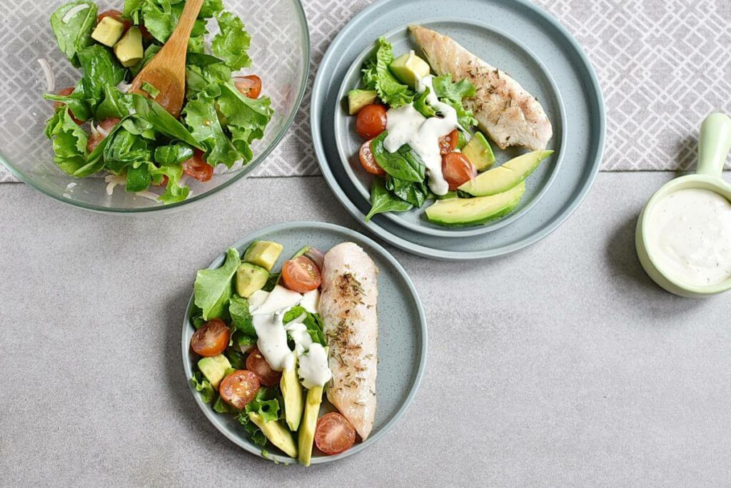 How to serve Grilled Chicken Salad with Creamy Dressing
