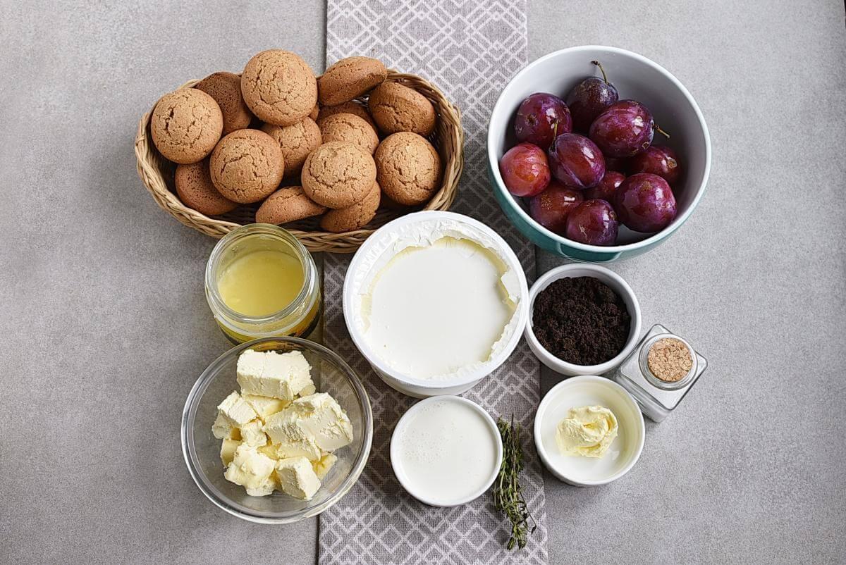 Ingridiens for No-Bake Plum Tart with Mascarpone