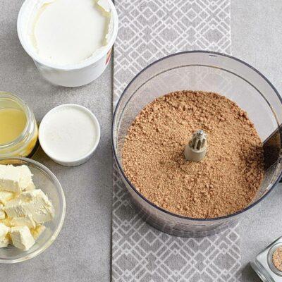 No-Bake Plum Tart with Mascarpone recipe - step 1