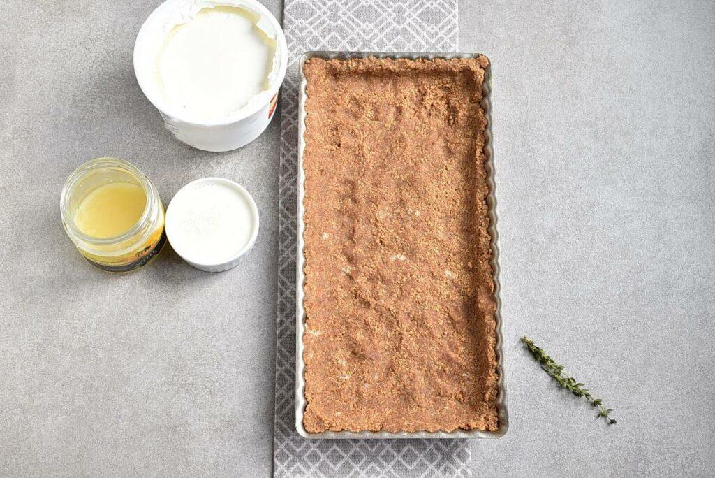 No-Bake Plum Tart with Mascarpone recipe - step 2