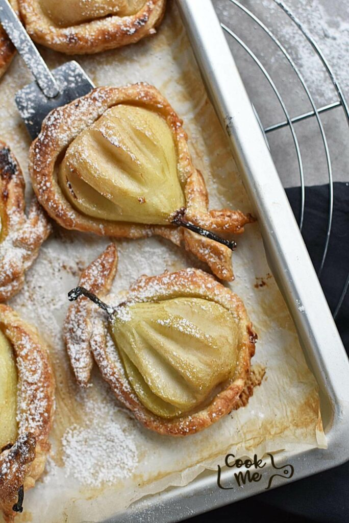 Baked Pears in Puff Pastry