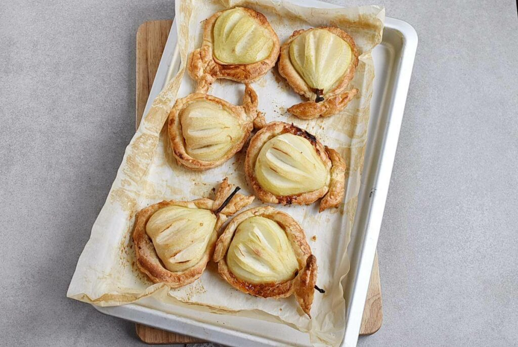 Baked Pears in Puff Pastry recipe - step 7