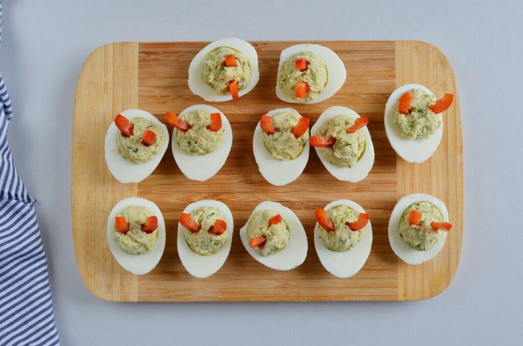 Devilish Avocado Sriracha Deviled Eggs recipe - step 5