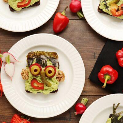 Halloween Avocado Breakfast Toast Recipe-Spooky Avocado Toast-Halloween Healthy Food Ideas