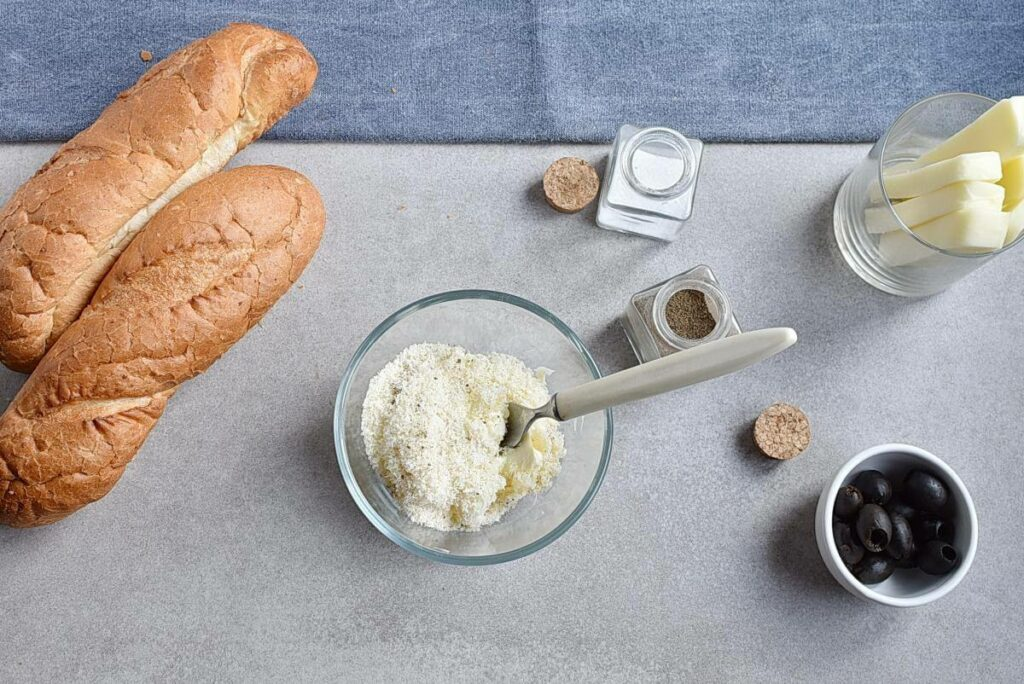 Mummified Garlic Bread recipe - step 4
