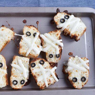 Mummified Garlic Bread recipe - step 7