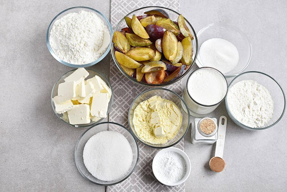 Ingridiens for Rustic Plum Biscuit Pie