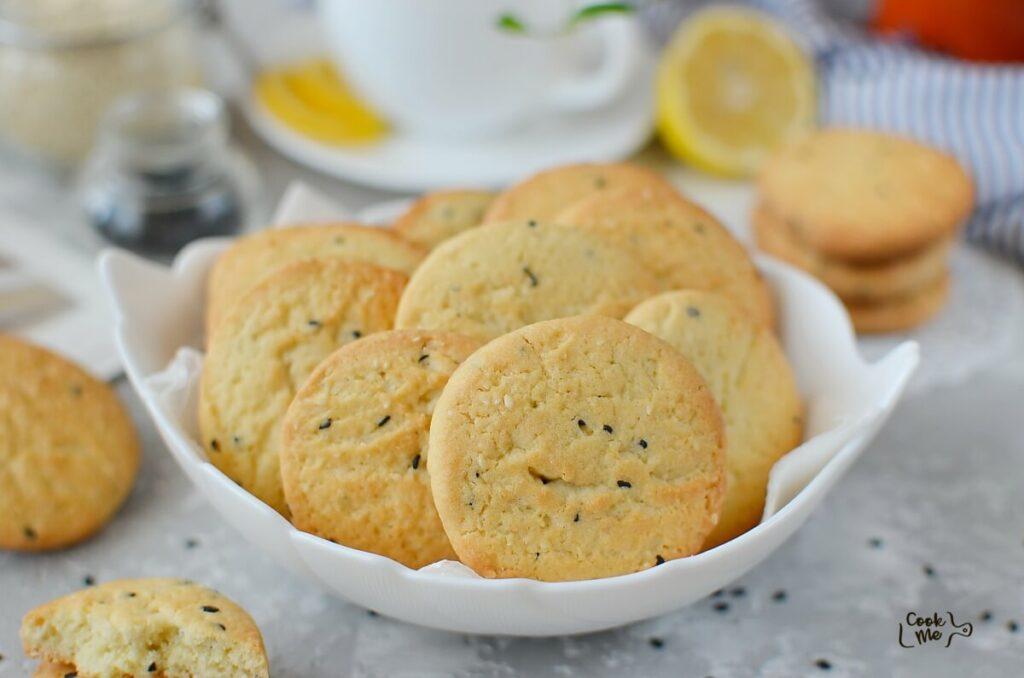 How to serve Sesame Cookies